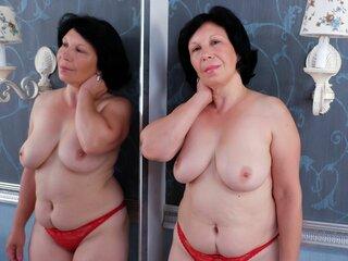 MatureSylvia nude